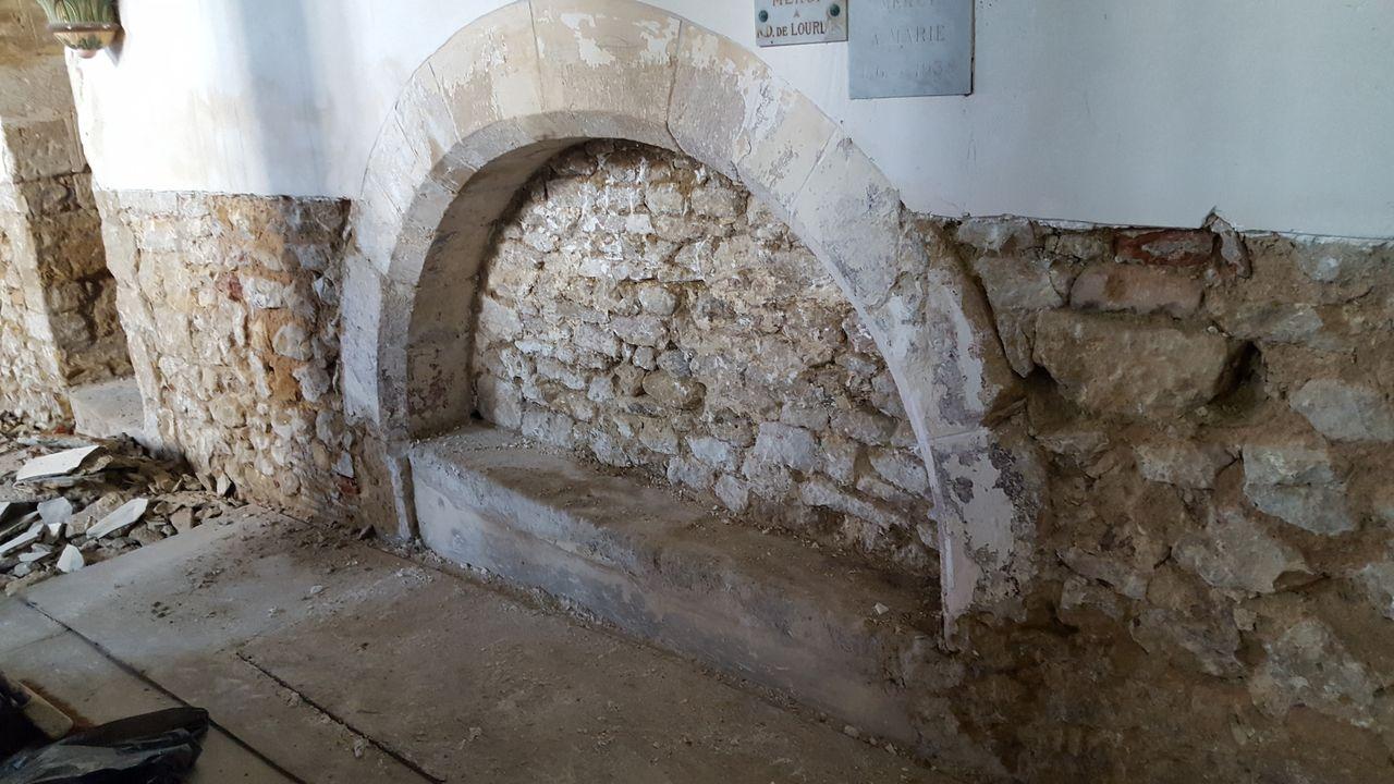Enfeu, église de Vieux-Pont